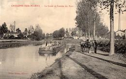 CPA Batellerie -51- CHALONS-SUR-MARNE - Le Canal Et L'entrée Du Port - Chevaux De Halage Tirant La Péniche - Edit. Debar - Châlons-sur-Marne