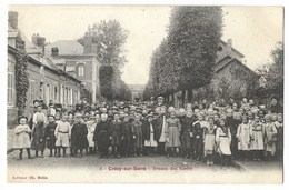 CPA 02 CRECY SUR SERRE Avenue Des Ecoles - France