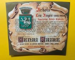 10067 - Arbois Les Anges Corail Tendre Château Monfort Arbois  Henri Maire - Etiquettes