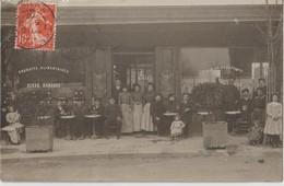 COMMERCE PRODUITS ALIMENTAIRES - Bière KARCHER - Vins Du Beaujolais - Carte Photo - Personnels Devant Le Commerce. - Händler