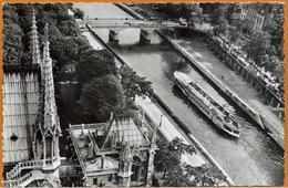 75 / PARIS - La Seine Vue Des Tours De Notre-Dame - Bateau-mouches, Quais ... (années 50) - Le Anse Della Senna