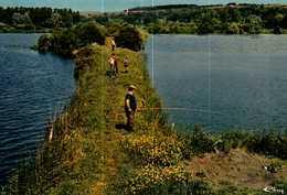 Carte Postale   (80)    LONGPRE-les-CORPS-SAINTS  -  La Hutte D'che Banc - France