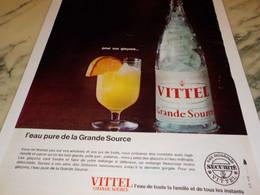 ANCIENNE PUBLICITE POUR VOS GLACONS ET VITTEL 1965 - Affiches