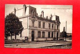 54 -  Tucquegnieux : La Mairie Et L'hôtel Des Postes - Other Municipalities