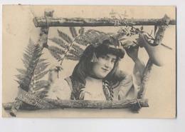 LES FILLES DE CHEZ NOUS - 1905 - Personnages