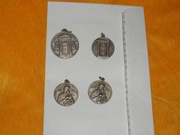 LOT DE 4 MEDAILLES RELIGIEUSES ANCIENNES DATE ?....A IDENTIFIER PIUS XII PONT. MAX....ITALIE ?.. - Jetons & Médailles