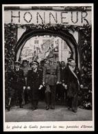 1947  --  LE GENERAL DE GAULLE PARCOURT LES RUES PAVOISEES D ETRETAT   3Q941 - Vieux Papiers