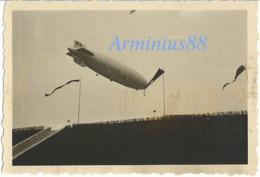 Deutsche Luftschiff - LZ 129 Hindenburg - Reichssportfeld - West-Tor - Berlin, 1936 - Luchtvaart