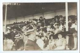 VICHY : Carte Photo Des Tribunes Lors Du Grand Prix Des Courses Le 17 Août 1910 - Vichy
