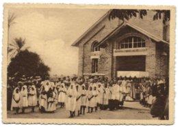 Mission De Filles De Charité à Nsona-Mbata - Procession - Congo Belge - Autres