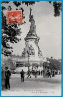 En L'état CPA 75003 PARIS III - Monument De La République - Place De La République ° LL 1296 - District 03