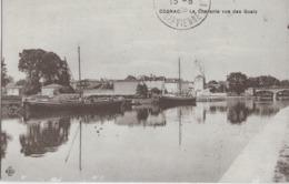 COGNAC - LA CHARENTE VUE DES QUAIS - BELLE ANIMATION AVEC PENICHES - 1924 - Cognac