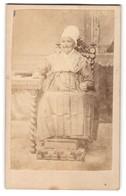 Photo Bailly & Maurice, Tours, Portrait De Greisin Avec Traditioneller Kopfbedeckung - Personnes Anonymes