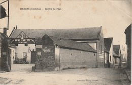 DAOURS 80  SOMME   CPA  CENTRE DU PAYS - France