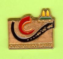 Pin's Mac Do McDonald's Ville De France Carrières Sous Poissy - 2M13 - McDonald's