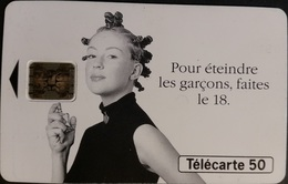 Telefonkarte Frankreich - Werbung - Frau -  Parfüm - 50 Units - 06/94 - 1994