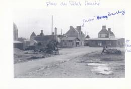 MONTEBOURG En Ruines  -  Photo  Place Du Petit Marché - Autres Communes