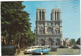 Paris: CITROËN DS, 2CV AZU, SIMCA ARONDE, VEDETTE TAXI, PEUGEOT 203, 404 BREAK, CHEVROLET BEL AIR '57 - Notre-Dame - PKW