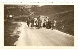 FRANCE - ( Hautes - Alpes ) Arrêt Sur La Route En Vue Du Lautaret Avant La Montée Au Galibier( Photo: Format 12 X 7.5 ) - Lieux