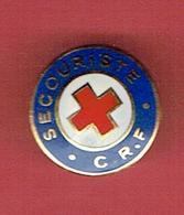 INSIGNE EMAILLE CROIX ROUGE FRANCAISE SECOURISTE FABRICANT AUBERT - Medicina