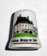 De A Coudre En Porcelaine  Chateau Meug Sur Loire - Dés à Coudre
