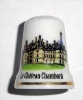 De A Coudre En Porcelaine  Chateau Chambord - Dés à Coudre