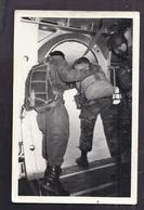 CPSM PHOTO PARACHUTISME - TB PLAN En CP Photographique De Militaires Parachutistes - Regimente