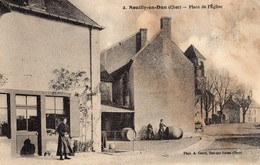 Neuilly'en'Dun  18   La Place De L'Eglise Animée Et Tonnelier - Otros Municipios