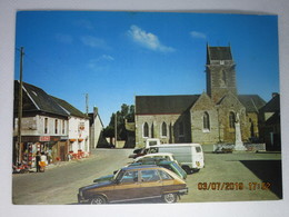 CP 50 LINGREVILLE Sur MER Vers Montmartin,l'église , Monument Au Morts ,commerces UNICO Bar Tabac , Le  Bourg Voitures - Montmartin Sur Mer