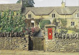 UNITED KINGDOM - The Cotswolds - A Village Post Office - Bureau De Poste - Poste & Facteurs