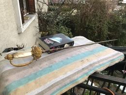épée Empire Plaquette En Nacre Lame Triangulaire Bleuie Motif Dorée Sur La Lame - Armes Blanches