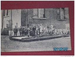MILITARIA - ARMEE BELGE - Soldats Du Génie -   Placement D'un Garde Corps     - - Manoeuvres