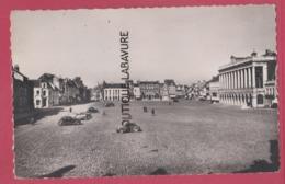 59 - HAZEBROUCK---Grand'Place--automobiles--cpsm Pf - Hazebrouck