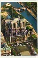 France. Paris. En Survolant Paris. Notre-Dame, La Façade Et Le Parvis. Photo Aérienne Alain Perceval. Editions D'Art YVO - Ohne Zuordnung