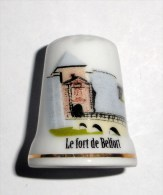 De A Coudre En Porcelaine Fort De Belfort - Dés à Coudre