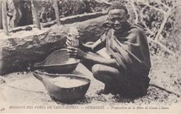 CPA Centrafrique OUBANGUI Preparation De La Biere De Canne A Sucre - Centraal-Afrikaanse Republiek