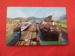 Miraflores Locks Panama Canal           Panama    Ref 3205 - Panama