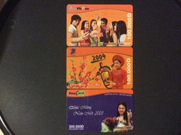 3 RECHARGES GSM VIET- NAM   VINA CARD  *100.000 D  *100.000  D *300.000 D Vina Phone - Viêt-Nam