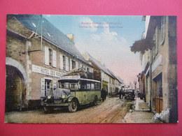 Sainte - GENEVIEVE  ( AVEYRON )  Station De L'Autobus De St - FLOUR - France