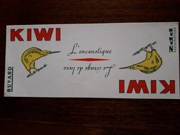 L18/49 Buvard. Kiwi , L'encaustique - Pulizia