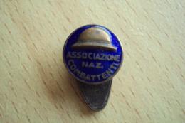 SPILLA VINTAGE OLD PINS ASSOCIAZIONE NAZIONALE CONBATTENTI 1 GUERRA MONDIALE - Italia