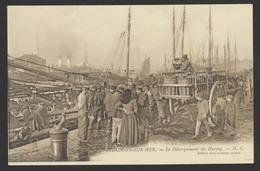 D 62 - BOULOGNE-SUR-MER - Le Débarquement Du Hareng - Pêche - SUP - Non Voyagée - Boulogne Sur Mer