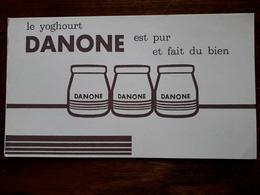 L18/64 Buvard. Yoghourt Danone - Leche