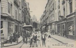 ANGERS : Rue Bressigny Vers La Tour St. Aubin Trés Animée - Angers