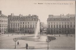 RENNES  - LA PLACE DU PALAIS - Rennes