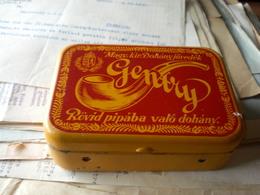 The Old Full Tin Box  Magyar Kiralyi Dohanyjovedek  Rovid Pipaba Valo Dohany Budapest - Pfeifen U. -zubehör