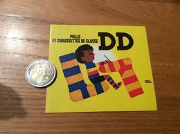 AUTOCOLLANT, Sticker «PULLS ET CHAUSSETTES DE CLASSE DD (illustration HERVÉ MORVAN)» (vêtement) - Stickers