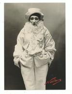 CPM Les Nadar Une Légende Photographique Exposition BNF - Paul Nadar Sarah Bernhardt Dans Pierrot Assasin - Illustrators & Photographers