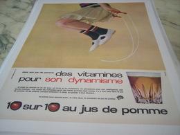 ANCIENNE PUBLICITE 10 SUR 10 JUS DE POMME 1965 - Affiches