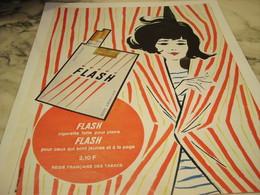 ANCIENNE PUBLICITE POUR PLAIRE CIGARETTE FLASH 1965 - Tabac (objets Liés)
